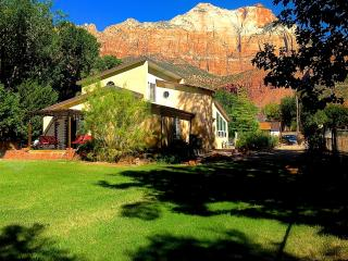 6 BR Villa Downtown Springdale Zion N Park Sleep14 - Springdale vacation rentals