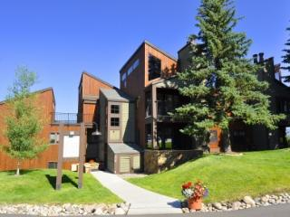 The West - 1 Bedroom Condo - Walk Across the Street to the Gondola - Steamboat Springs vacation rentals