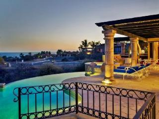 Ocean view Villa Gracia- near beach, infinity pool & ensuite pool- jetted tub - Cabo San Lucas vacation rentals