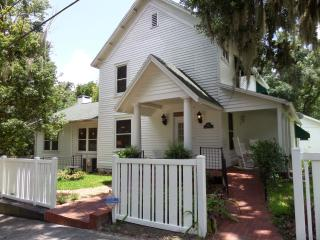 Beautiful, comfortable, spacious home near coast - Brooksville vacation rentals