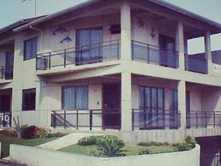 Casa Duplex frente para o mar em Bombinhas-SC - Bombinhas vacation rentals