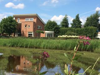 LUXURY & MODERN VILLA IN NATURAL PARK TILBURG - Tilburg vacation rentals