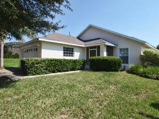 4 bed 2 bath pool home villa at Westridge only 15 minutes from Disney - Warwick vacation rentals