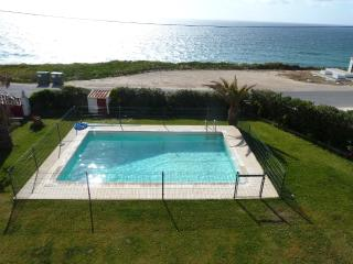7 bdr splendid front beach Villa,45min from Lisbon - Torres Vedras vacation rentals