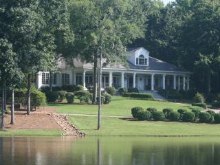 23 ac. Estate on Lake Oconee, Weddings, Big Groups - Eatonton vacation rentals