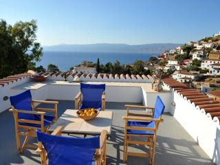 Freddy's House-One of the Great Ones-Lower Kaminia - Hydra vacation rentals