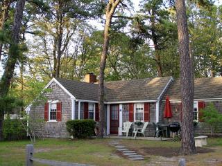 Dennis Seashores Cottage 10 - 2BR 1BA - Dennis Port vacation rentals