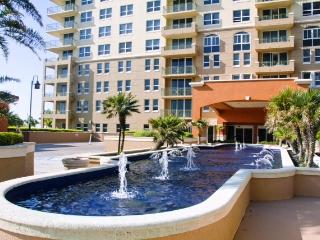 Ocean Front /Two Bedr 2 Bath /Sleeps 6/beach/fun! - Hallandale vacation rentals