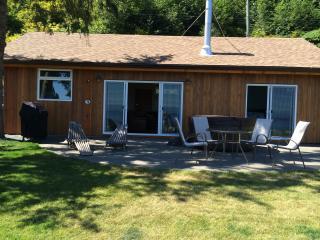 Courtenay, BC Walk-on Oceanside Retreat-Udina Bay - Comox vacation rentals