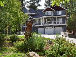 Bear Heaven - Victorian Estate Close to Resorts! - City of Big Bear Lake vacation rentals