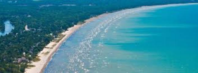Longest Freshwater Beach - Wasaga Beach Cottage **30 day rental  Minimum - Wasaga Beach - rentals