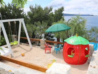 apartman-Jurić onthebeach trogir čiovo okrug donji - Okrug Donji vacation rentals
