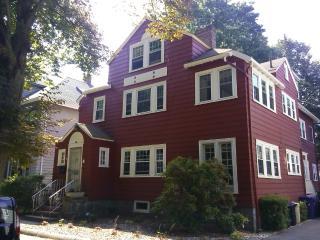 Clean Apartment in Boston - Boston vacation rentals