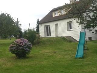 MAISON DE VACANCES (SEM/WE/NUIT) 4 CHAMBRES - Eure vacation rentals