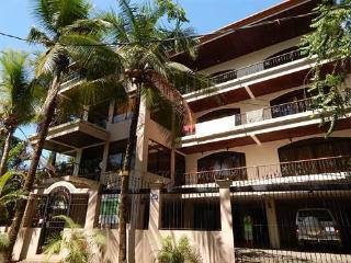 6 BEDROOM 3-STORY SOUTH BEACH VILLA - OCEAN VIEW - Woodston vacation rentals