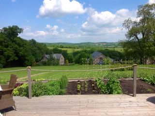 Holling Grange Bleu-Gris, near Hay & Hereford - Hereford vacation rentals