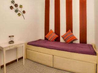 APARTMENT JAIDRIM IN PUERTO DEL CARMEN FOR 4P - Puerto Del Carmen vacation rentals