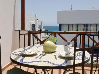 Apartment Deluxe Limones Playa Blanca with Seaviews - Playa Blanca vacation rentals