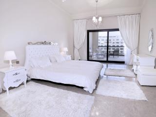 Beach Access 1 BD Palm Jumeirah, Fairmont residence! - Palm Jumeirah vacation rentals