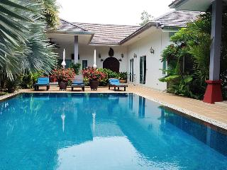 Luxury Huge 3 bed Villa + Private Bungalow NaiHarn - Nai Harn vacation rentals