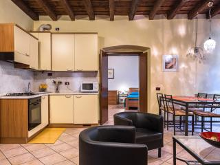 Typical and comfortable apartment in historic cent - Verona vacation rentals