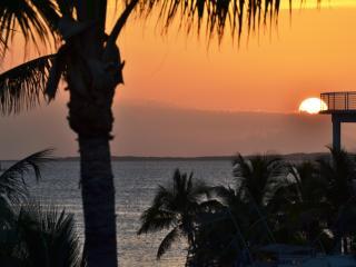 Key Largo Villa - Beautiful Waterfront 3/2 + Den - Key Largo vacation rentals