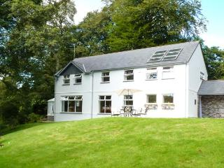 EVERSLEY GARTH, detached house, woodburner, WiFi, snooker table, spacious accommodation, in Camelford, Ref 26332 - Camelford vacation rentals