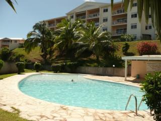 TAHITI PUNAAUIA appartement F3 avec piscine - Punaauia vacation rentals