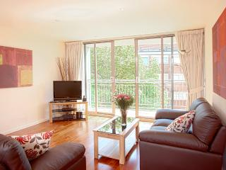 The Waterloo West 2 Bedroom 2 Bathroom Apartment - London vacation rentals