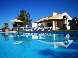 Casa da Encosta, Guia (Albufeira) - Guia vacation rentals