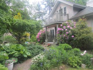 Romantic Ocean View Cottage - Sleeps 8 - Rockland vacation rentals