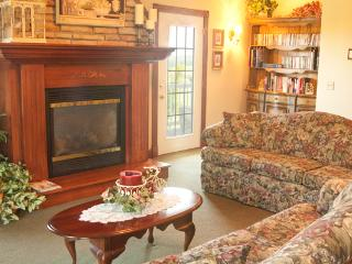Large Victorian Country Home in Berlin, Ohio - Millersburg vacation rentals