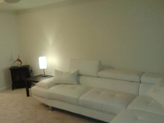 Furnished House Rent Brampton- Utilities Included - Mississauga vacation rentals