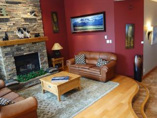 Ski-in/Ski-out - 5bdr/7bath -  Silver Star Resort - Silver Star Mountain vacation rentals