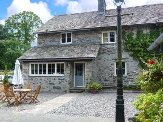 CRABTREE, en-suite bedroom, pet-friendly, ground floor cottage with woodburner, Ref. 914055 - Hawkshead vacation rentals