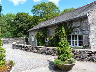 BULL PEN, shared grounds with fishing, swimming pool, gym, WiFi, pet-friendly cottage in Graythwaite, Ref. 914064 - Eskdale vacation rentals