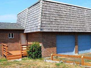 Topley House R528 Waldport Oregon ocean front vacation rental - Waldport vacation rentals