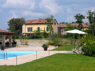 Monferrato: Apartment in a converted farmhouse - Piedmont vacation rentals