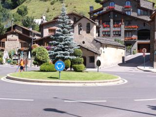 ANDORRE CHALET JANET Apart 4/5 PERS*** - Arinsal vacation rentals