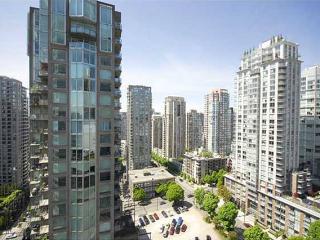 Deluxe 1 Br / Den / Small Balcony - Vancouver vacation rentals