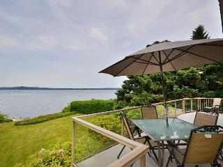 Vancouver Island 3 Bedroom Ocean View and Beach Front House in Chemainus BC - Lake Cowichan vacation rentals