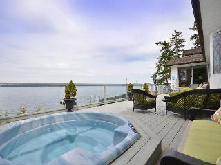 Fantastic 3 Bedroom Ocean Front Retreat on Vancouver Island near Yellow Point - Vancouver Island vacation rentals