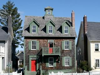 Flagstaff Cottage w/ Carriage House - Pacific Beach vacation rentals