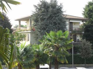 casa vacanza 6 appartamenti - Sirmione vacation rentals