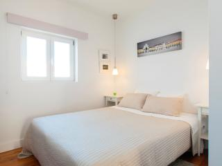 Alfama for Four Apartment by RE - Lisbon vacation rentals