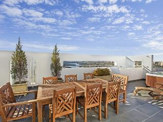 Neutral Bay Bright View - Queenscliff vacation rentals