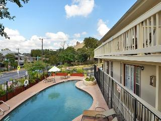 1BR Inviting Downtown Condo, Pool View, Steps to 6th Street, Sleeps 4 - Austin vacation rentals