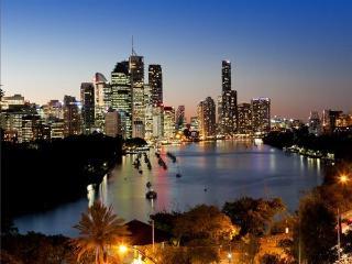 Kangaroo Point, Brisbane Penthouse Apartment - Brisbane vacation rentals