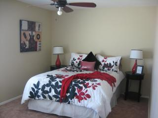 Spacoius home close to surprise stadium & shopping - Surprise vacation rentals
