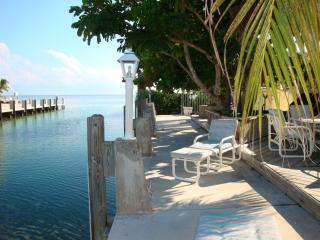 Las Casitas Charming 2 Bedrooms Canal  (Ocean) - Florida Keys vacation rentals